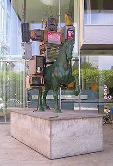 10.07.20 220px-Frankfurt_Medien_Denkmal